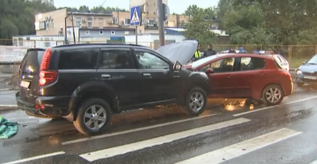 QIP Shot Screen 001 В Москве сбежавший с места ДТП водитель устроил еще одну аварию
