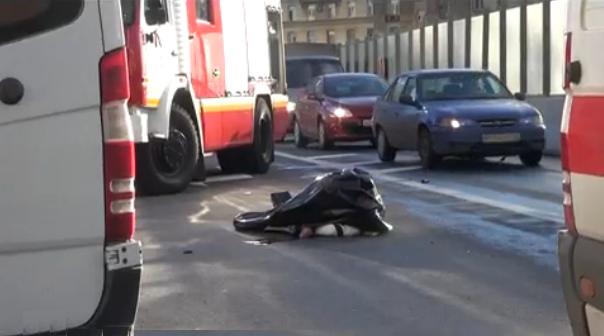 QIP Shot Screen 303 В ДТП на съезде с ТТК на Кутузовский проспект погиб мотоциклист
