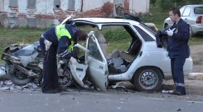 QIP Shot Screen 324 В ДТП возле Москвы в поселке Щапово погибли два человека