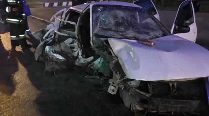 QIP Shot Screen 087 В Москве на Щелковском шоссе иномарка врезалась в мачту городского освещения