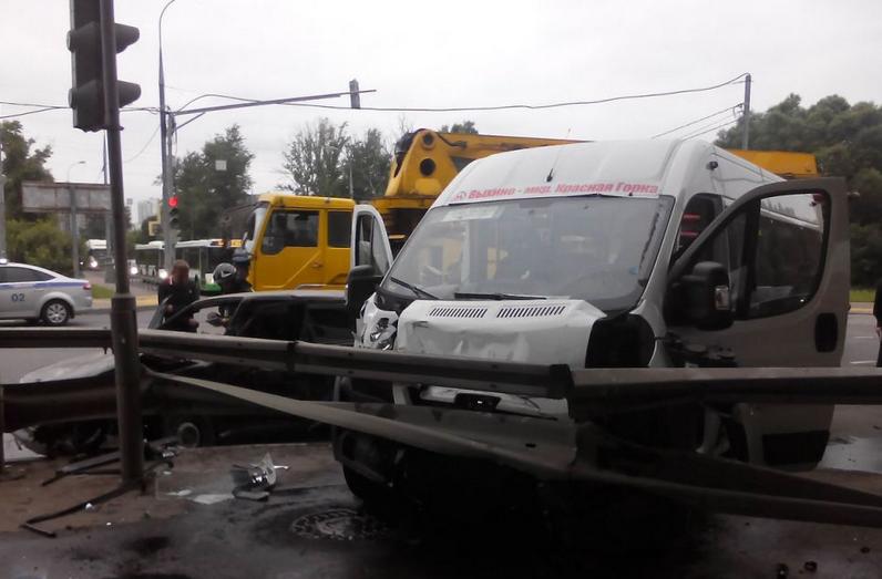 QIP Shot Screen 119 В ДТП с маршруткой на Косинском шоссе пострадали 9 человек