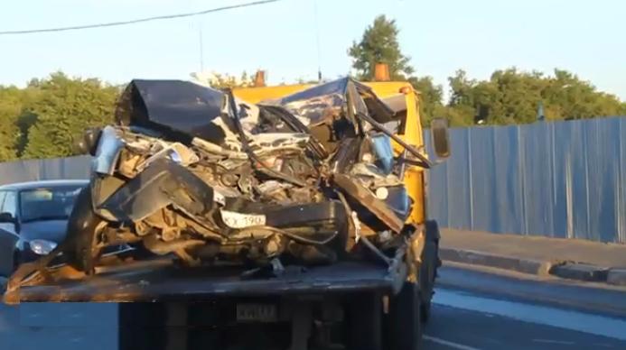 QIP Shot Screen 139 Лобовое столкновение ВАЗ а с грузовиком произошло на Шоссейной улице