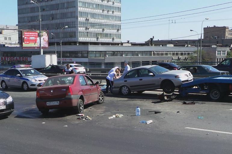 QIP Shot Screen 148 Ребенок и взрослый пострадали в ДТП на Автозаводском мосту