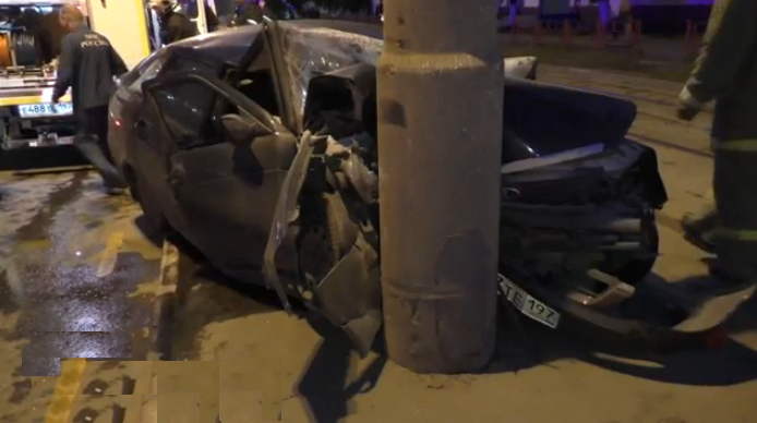 QIP Shot Screen 338 «Лада» врезалась в столб на Открытом шоссе