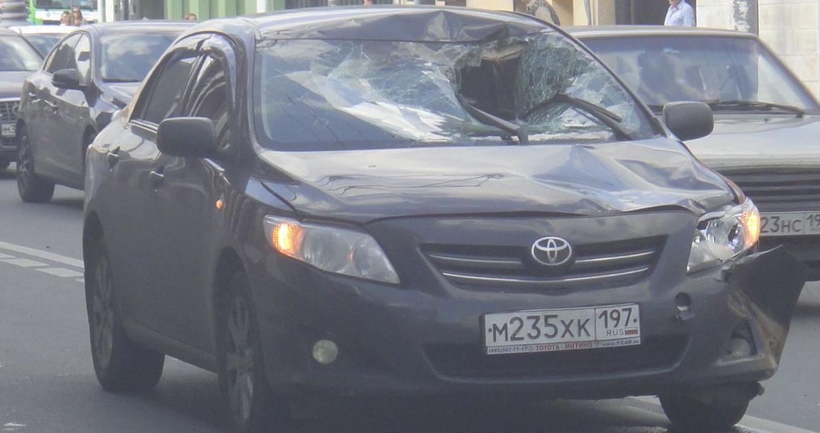 QIP Shot Screen 339 На Люсиновской улице в Москве автомобиль сбил пешехода