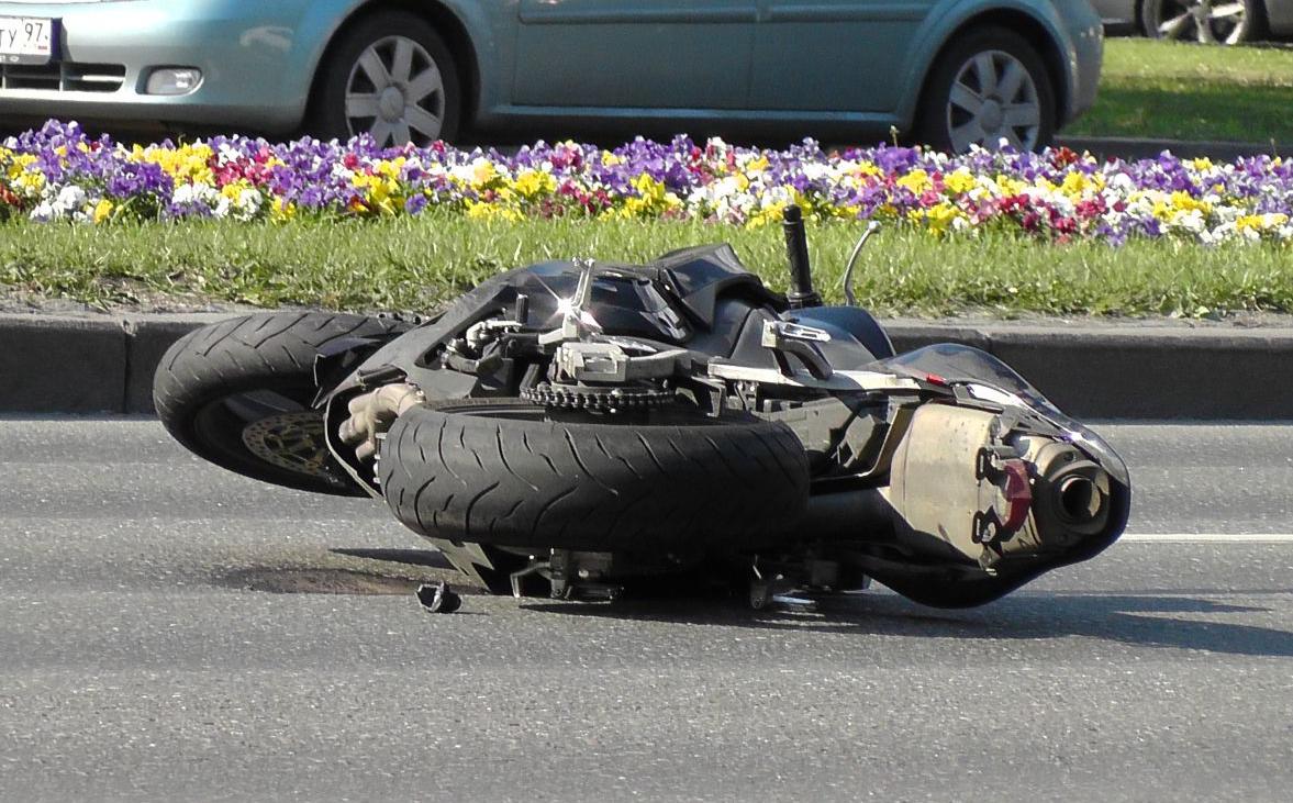QIP Shot Screen 341 Мотоциклист насмерть сбил девушку пешехода в Москве на Ленинском проспекте