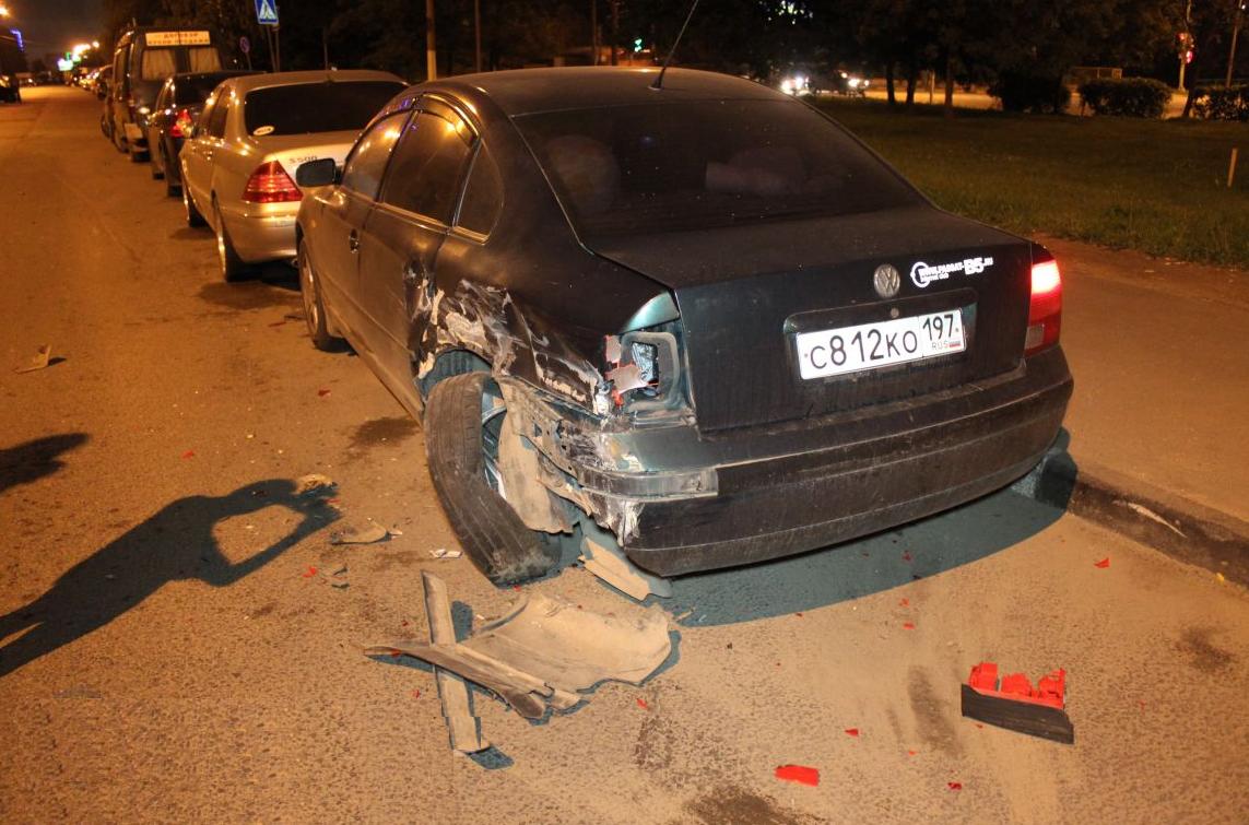 QIP Shot Screen 352 Пьяный водитель разбил четыре автомобиля на Липецкой улице