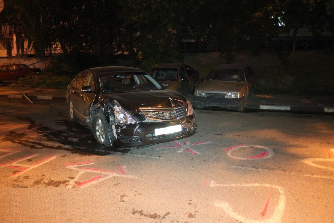 QIP Shot Screen 355 Пьяный водитель разбил четыре автомобиля на Липецкой улице