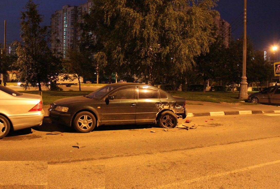QIP Shot Screen 358 Пьяный водитель разбил четыре автомобиля на Липецкой улице