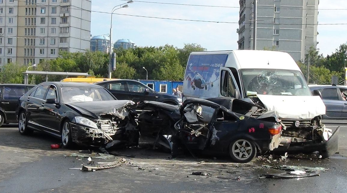 QIP Shot Screen 376 Серьёзная авария произошла на Кутузовском проспекте в Москве