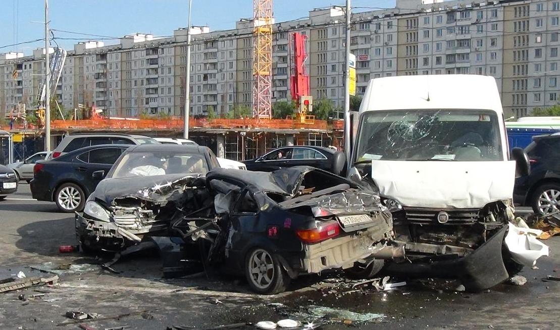 QIP Shot Screen 377 Серьёзная авария произошла на Кутузовском проспекте в Москве