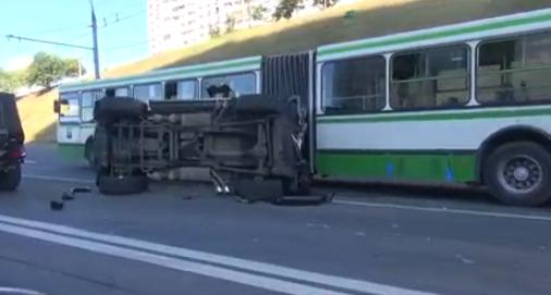 QIP Shot Screen 456 На Крылатской улице в Москве в ДТП попали пять автомобилей