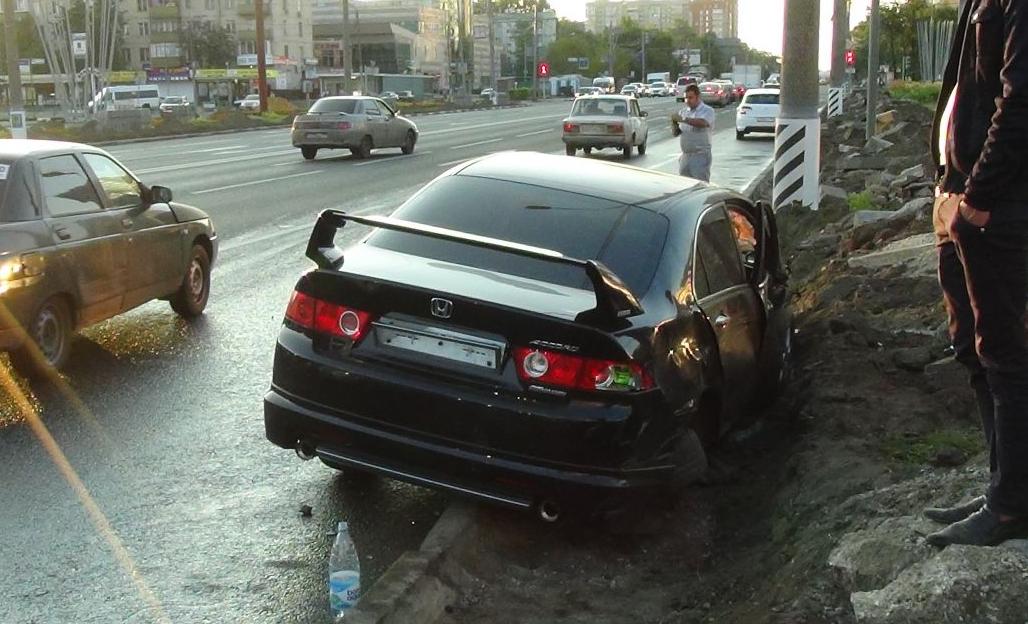 QIP Shot Screen 505 Несколько человек травмировались в автоаварии на Волгоградском проспекте в Москве