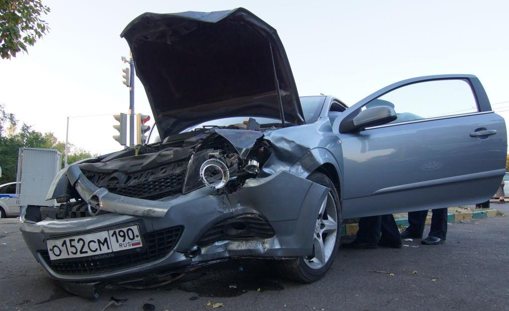 Три человека пострадали в аварии на Юго-Востоке Москвы фото