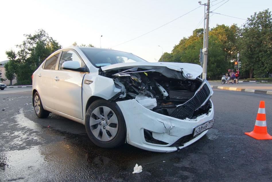 QIP Shot Screen 515 Три человека пострадали в аварии на Юго Востоке Москвы