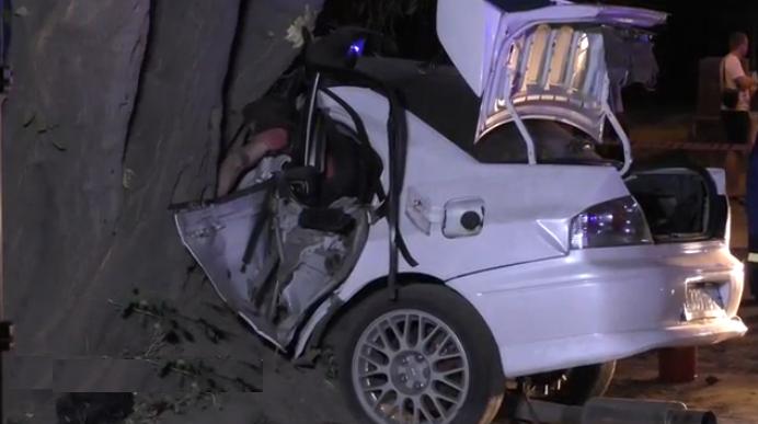 В аварии на Семеновской набережной погиб один человек, еще 2 тяжело травмировались фото