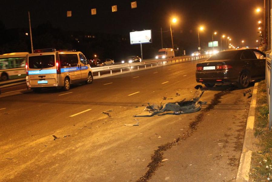 QIP Shot Screen 524 Пассажирка иномарки травмировалась в аварии в Коломенском проезде