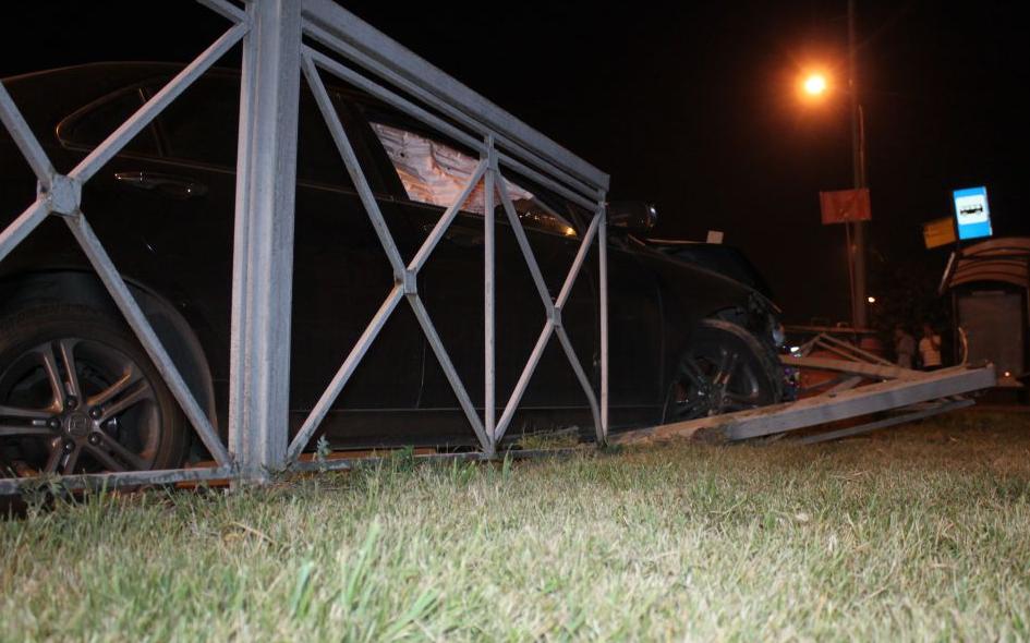 QIP Shot Screen 525 Пассажирка иномарки травмировалась в аварии в Коломенском проезде