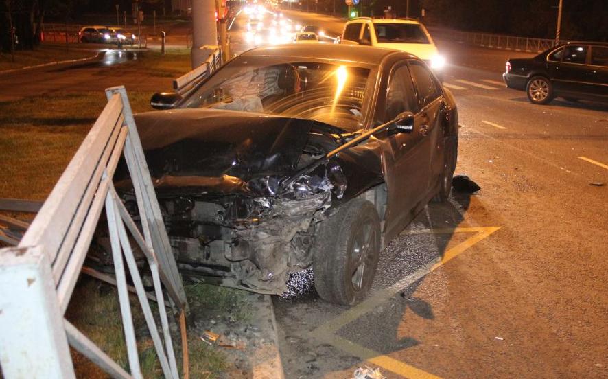 QIP Shot Screen 526 Пассажирка иномарки травмировалась в аварии в Коломенском проезде