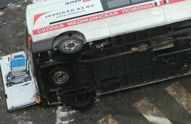 177a140f4b2fe69f4ed40dfe73e2b42aa659c6a8 В Москве пьяная москвичка порезала себе вены и устроила автоаварию