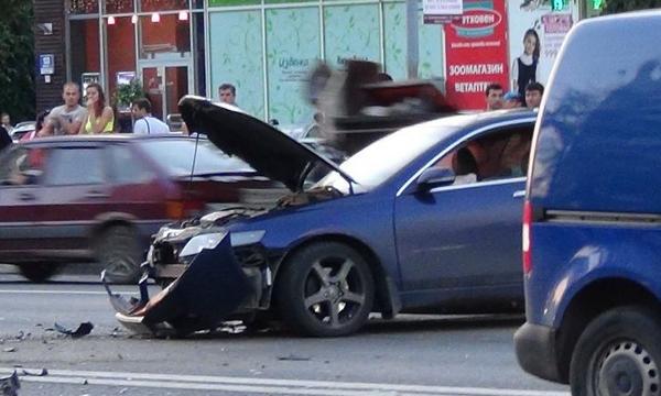 QIP Shot Screen 213 Lexus виновен а ДТП с участием 7 машин в Москве
