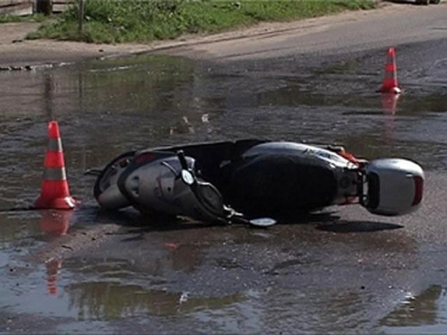 o 990199 В новой Москве в аварии со скутером скончалась 14 летняя девочка