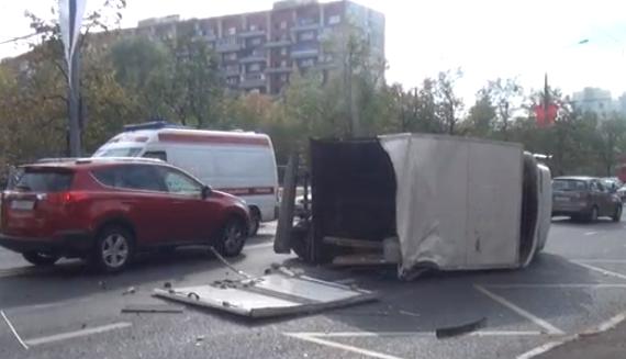 QIP Shot Screen 029 В Москве иномарка протаранила Газель