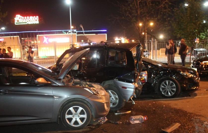 На юге Москвы произошло крупное ДТП фото