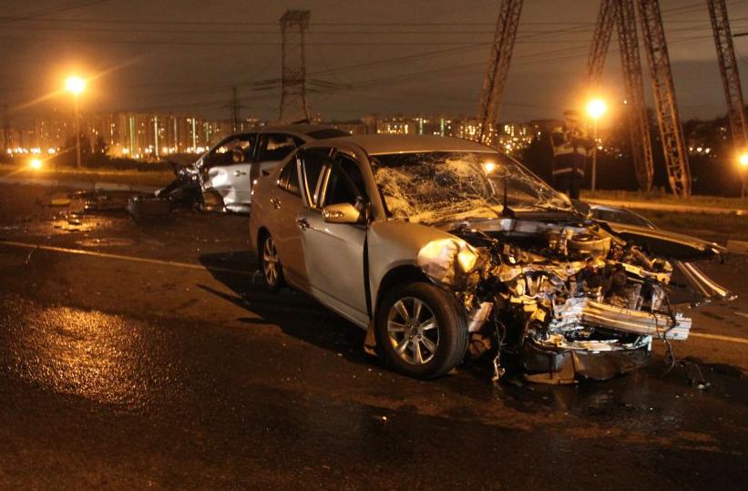 QIP Shot Screen 673 На Капотной улице в Москве столкнулись 2 иномарки