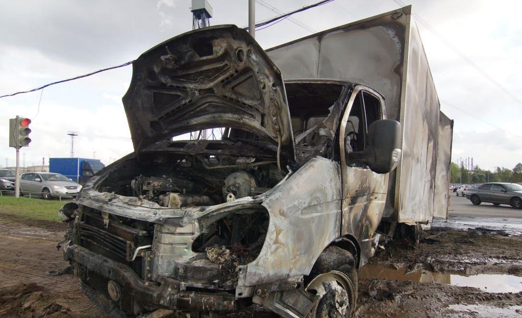 QIP Shot Screen 685 В Москве автомобиль «Mercedes» столкнулся с «ГАЗелью»
