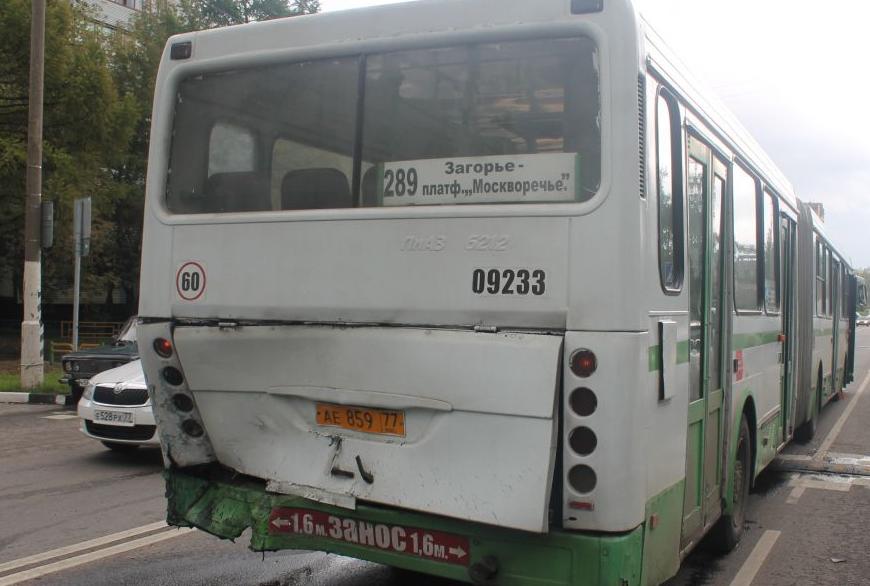 QIP Shot Screen 686 Пьяный водитель иномарки протаранил автобус с пассажирами