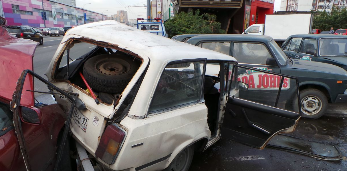 QIP Shot Screen 733 На Профсоюзной улице в Москве пьяный водитель устроил массовое ДТП