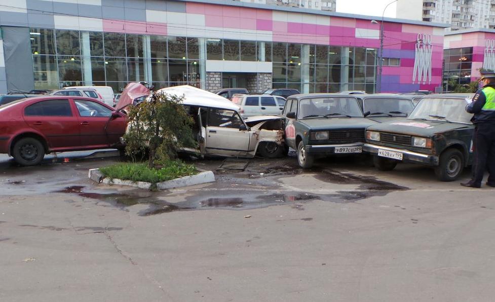 QIP Shot Screen 734 На Профсоюзной улице в Москве пьяный водитель устроил массовое ДТП
