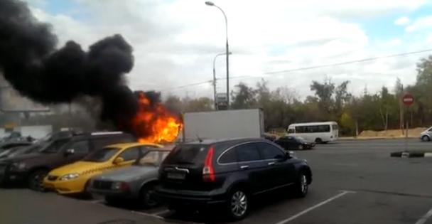 В Москве сгорела «Газель» фото