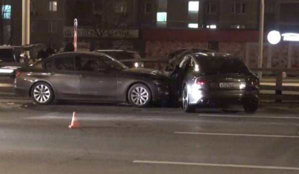 ДТП в Москве сегодня 31.10.2014 на улице Мневники, повреждены 4 автомобиля фото