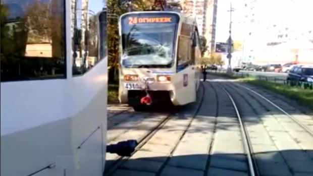На востоке Москвы столкнулись сразу три трамвая фото