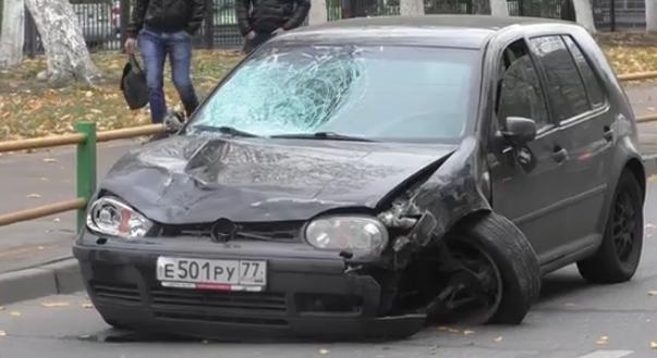 На Боровой улице иномарка совершила дтп фото