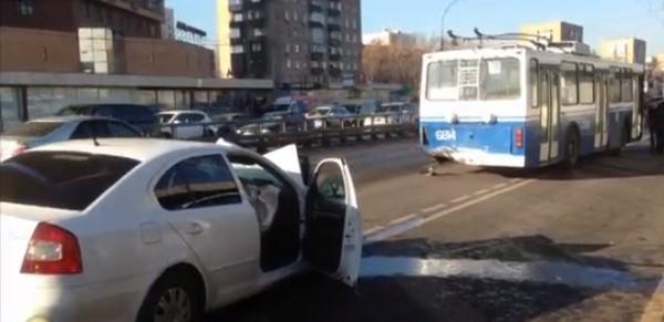 Авария в Москве на Дмитровском шоссе фото