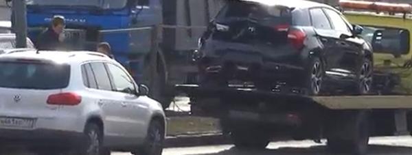 На проспекте Вернадского сегодня столкнулись три автомобиля фото