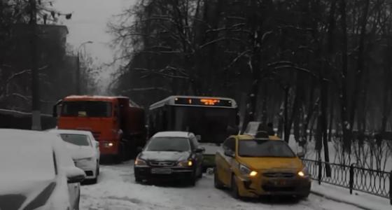 ДТП в Москве сегодня на Крупской фото