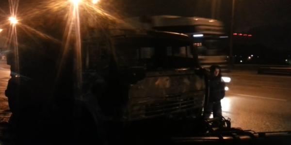 ДТП на МКАД в Москве сегодня сгорел автомобиль фото