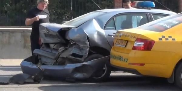 dtp taksi 2 Авария в Москве на Волгоградском проспекте