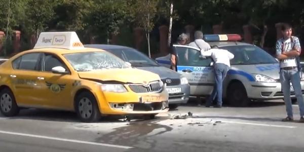 dtp taksi Авария в Москве на Волгоградском проспекте