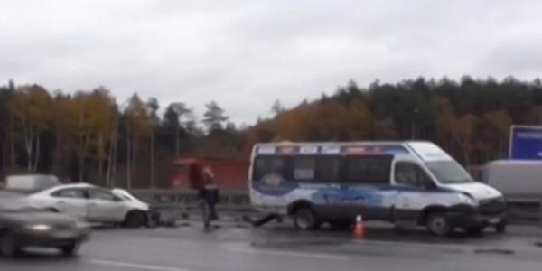 ДТП в Москве на Киевском шоссе есть пострадавший фото
