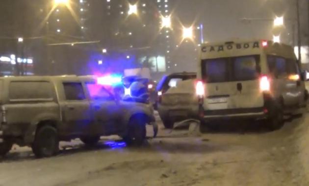 avariy 5 avto 2 ДТП в Москве вчера, столкновение 5 автомобилей