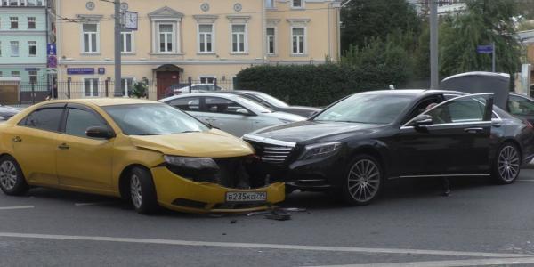 ДТП на Большой Полянке в Москве фото